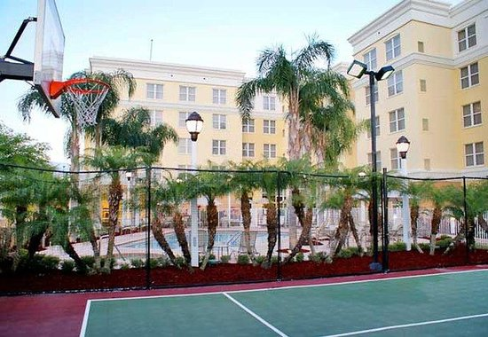 Residence Inn by Marriott Daytona Beach: Sport Court