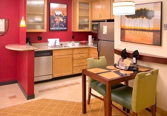 Sandy, UT: One-Bedroom Suite Kitchen