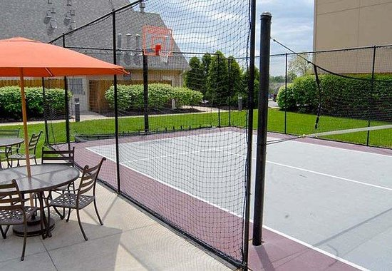 Erlanger, KY: Sport Court