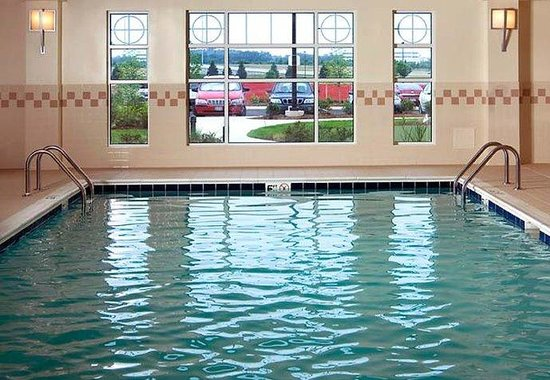 Residence Inn Dulles Airport at 28 Centre: Indoor Pool & Whirlpool