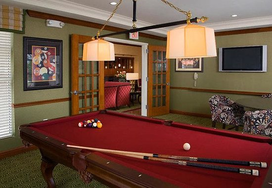 Residence Inn Dulles Airport at 28 Centre: Billiards Room