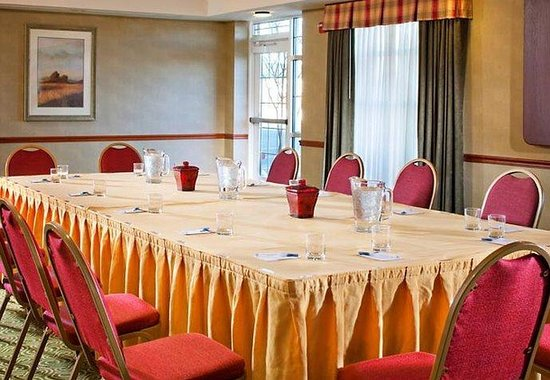 Residence Inn Dulles Airport at 28 Centre: Meeting Space