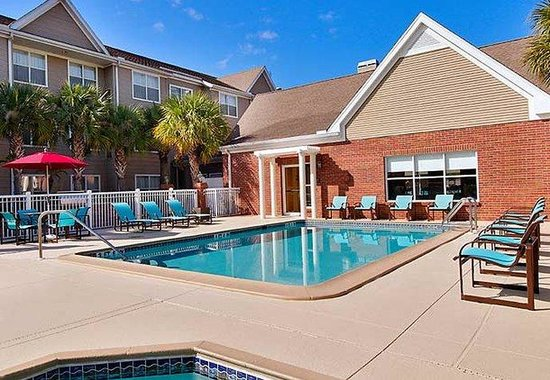 Residence Inn Tampa North/I-75 Fletcher: Outdoor Pool