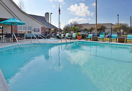 Stafford, TX: Outdoor Pool
