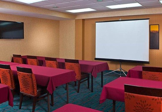 Residence Inn New Orleans Downtown: Meeting Room Classroom Setup