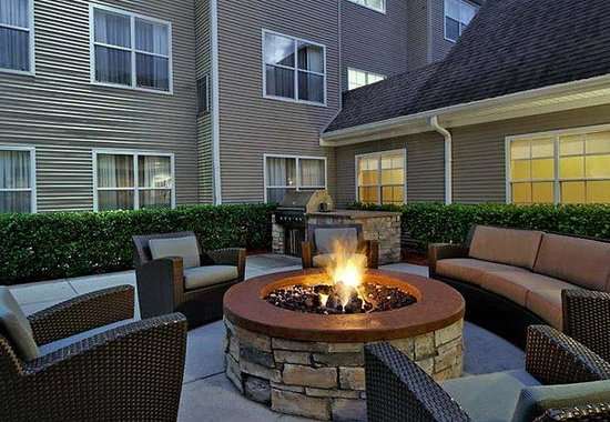 Residence Inn Sarasota Bradenton: Outdoor Patio