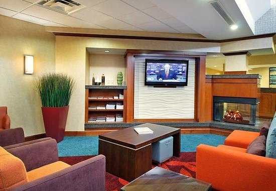 Residence Inn Sarasota Bradenton: Gatehouse Theater Area
