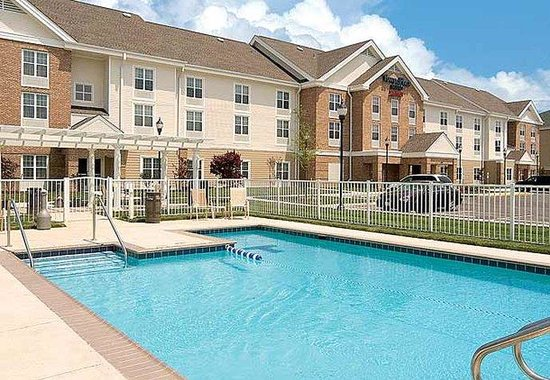 Suffolk, VA: Outdoor Pool