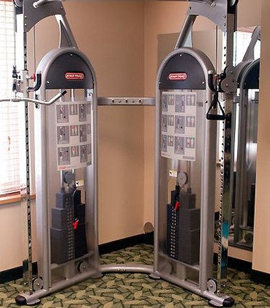 Suffolk, VA: Fitness Center – Weight Machine