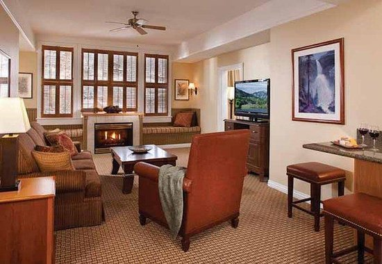 Marriott's Summit Watch: Villa Living Room