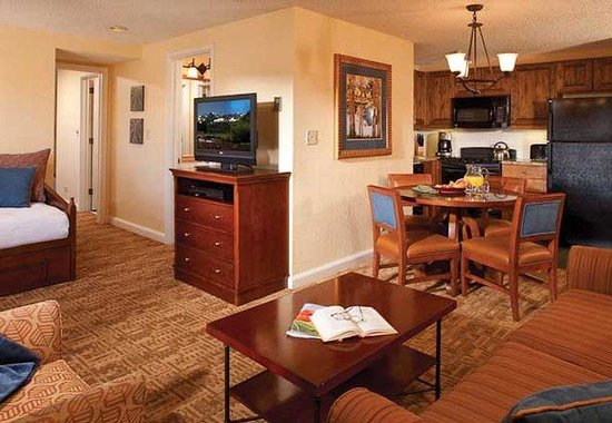 Marriott's Mountain Valley Lodge at Breckenridge: Villa Living Area