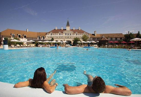 Bailly-Romainvilliers, Frankreich: Outdoor Pool
