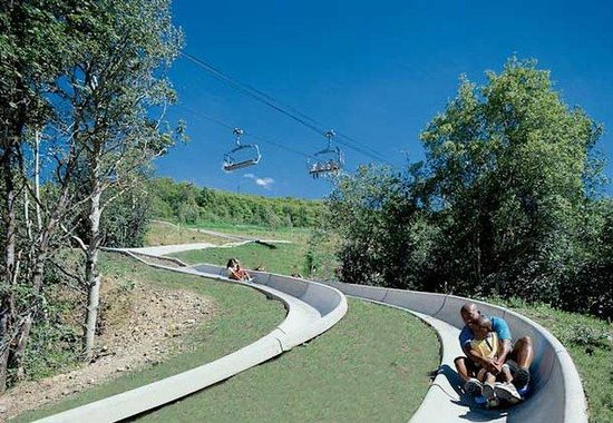 ‪‪Marriott's MountainSide‬: Slides & Ski Lift‬