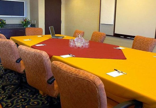 SpringHill Suites by Marriott--Boise: The Summitt Boardroom