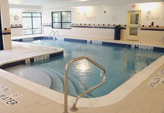SpringHill Suites Erie: Indoor Heated Pool