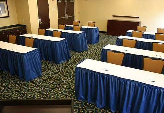 SpringHill Suites Erie: Meeting Room Classroom