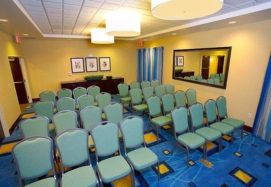 SpringHill Suites Modesto : Meeting Room