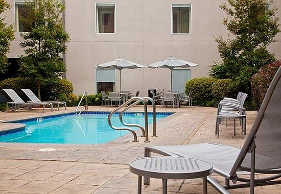 SpringHill Suites New Orleans Convention Center: Outdoor Pool
