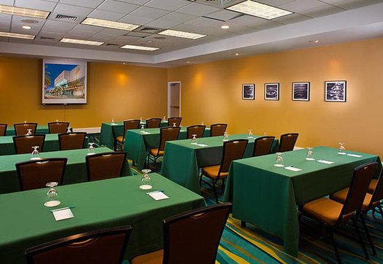 SpringHill Suites New Orleans Convention Center: Meeting Room – Classroom Style