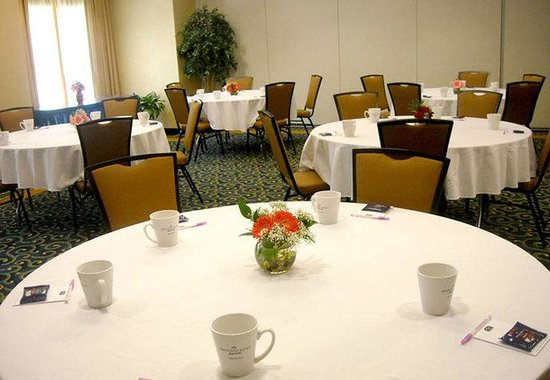 Tarentum, PA: Meeting Room  Banquet Style