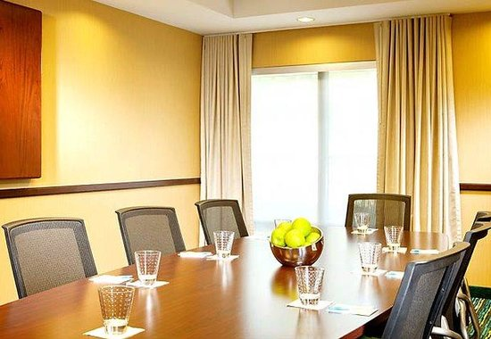 SpringHill Suites Dallas Addison/Quorum Drive: Boardroom