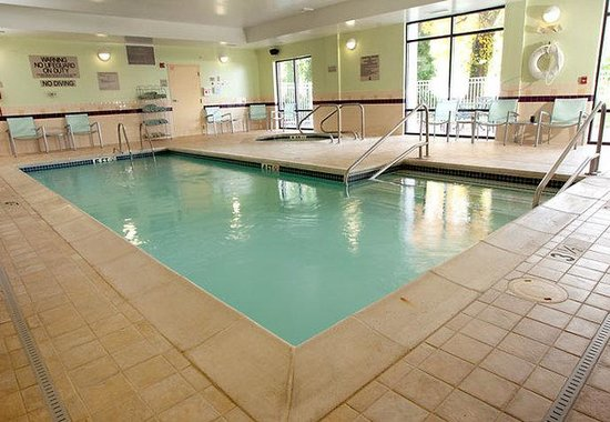 SpringHill Suites Lexington near the University of Kentucky: Indoor Pool