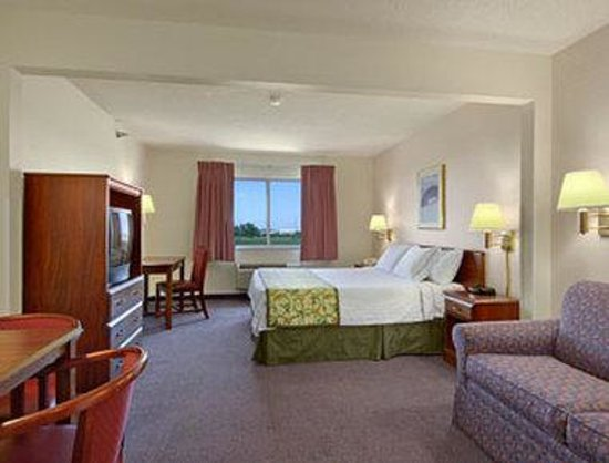 Mattoon, IL: Suite