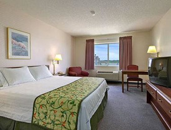 Mattoon, IL: Standard King Bed Room