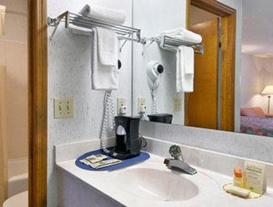 Days Inn Columbia: Bathroom