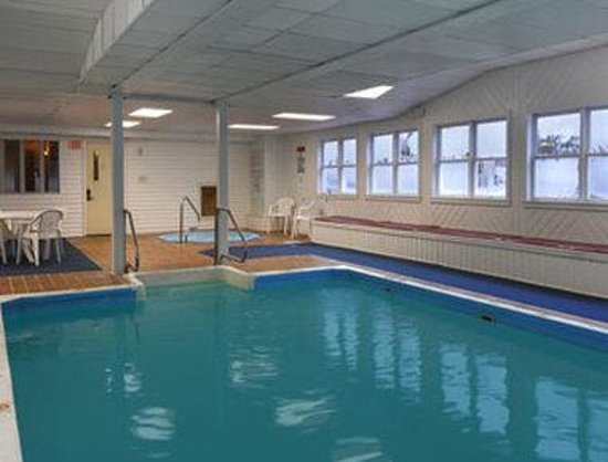 Groton, CT: Pool