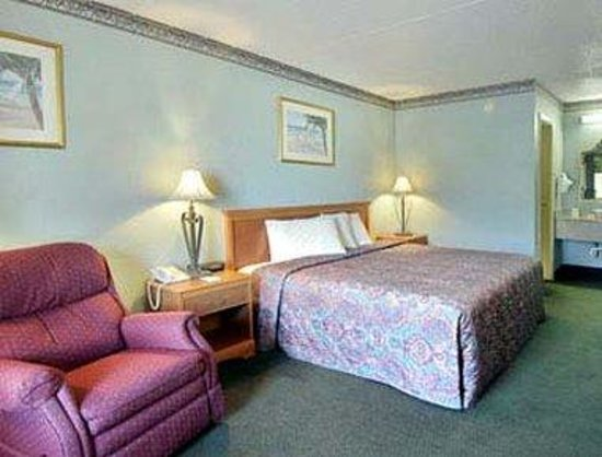 Days Inn Destin: Standard King Bed Room