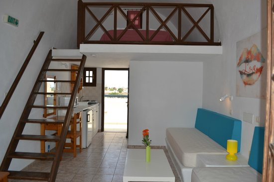 Perivolos, Greece: SUITE/MAIZONETTE SIDE SEA VIEW ROOM No301-305