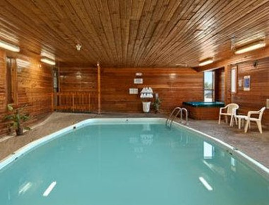 Days Inn Salina: Pool