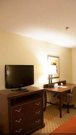 Sterling, VA: TVGuestroom