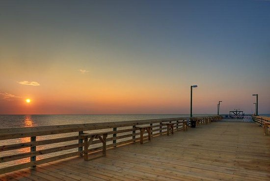 Surfside Beach Resort: Pier