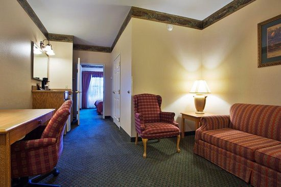 Round Rock, TX : CountryInn&Suites RoundRock  Suite