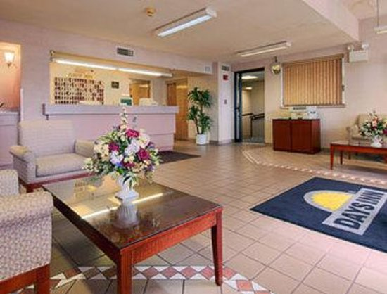 Vineland, NJ: Lobby