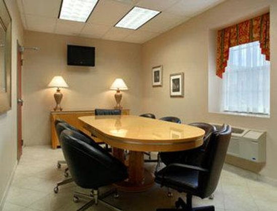 Days Inn Luray Shenandoah: Meeting Room