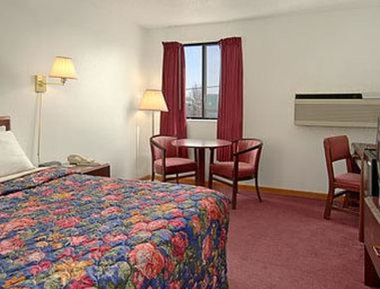 ‪‪Oak Grove‬, ‪Missouri‬: Standard King Bed Room‬