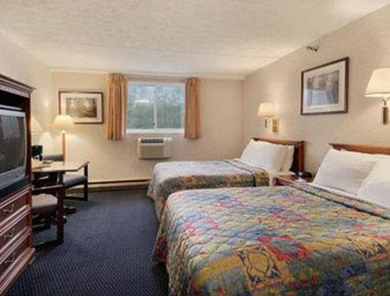 South Portland, ME: Standard Two Double Bed Room