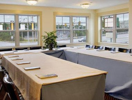 Days Inn South Portland: Meeting Room