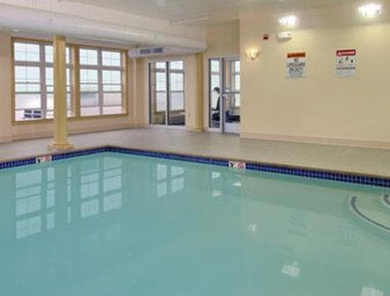South Portland, Maine: Pool