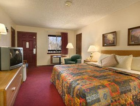 Days Inn Eureka Springs: Standard King Bed Room