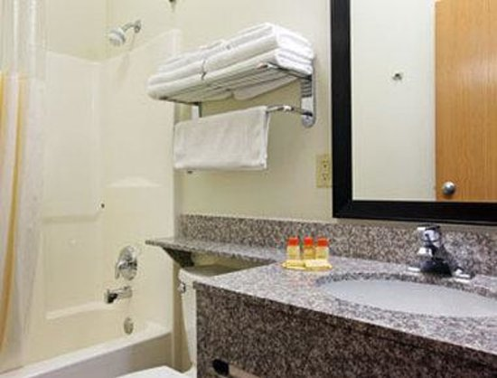 Days Inn & Suites Page / Lake Powell: Bathroom