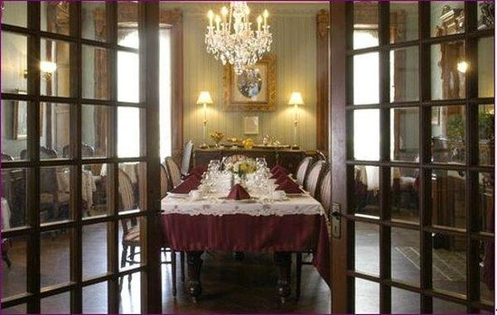 Batcheller Mansion Inn: DININGROOM