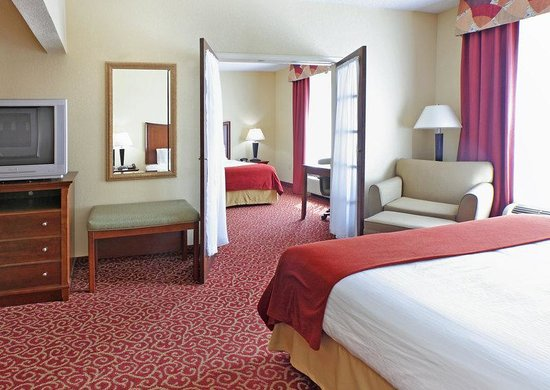 Holiday Inn Express & Suites - Little Rock West: Presidential Suite