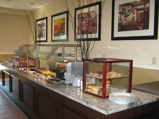 Danbury, CT: Breakfast Buffet