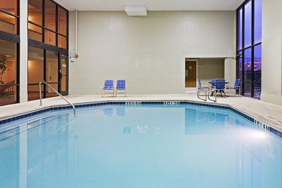 Holiday Inn Lubbock-Hotel & Towers: Swimming Pool