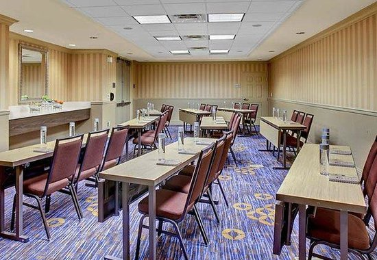 Courtyard by Marriott Charleston Historic District: Ashley Meeting Room