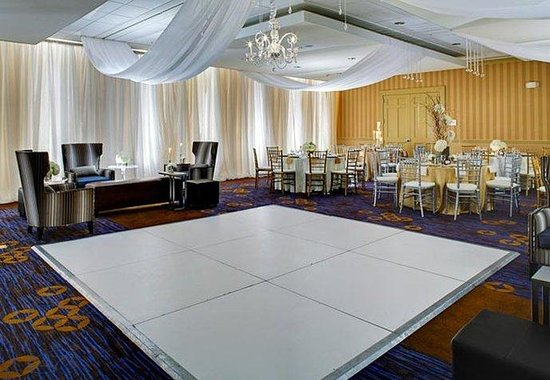 Courtyard by Marriott Charleston Historic District: Grand Cypress Ballroom Social Event